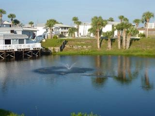 Updated two bedroom condo. EVERYTHING   NEW..Sleeps 6. - Destin vacation rentals