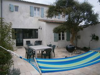 TOP quality home for 6/7 near sea/shops serv. incl - Clement des Baleines vacation rentals