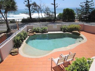 Unit 2, The Rocks, Coolum Beach - Linen Included, $500 BOND - Coolum Beach vacation rentals