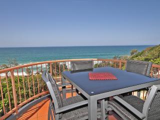 Unit 5 Seascapes, 1664 David Low Way Coolum Beach, $500 BOND - Coolum Beach vacation rentals