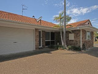 2 Eastern Court Mount Coolum, 400 DOLLAR BOND, Pet Friendly - Yaroomba vacation rentals