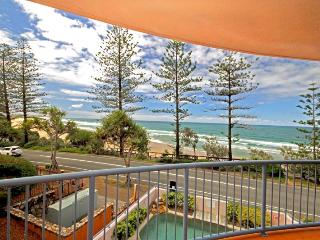 UNIT 4, The Rocks, 1746 David Low Way Coolum Beach, Linen Included - $500 Bond - Coolum Beach vacation rentals