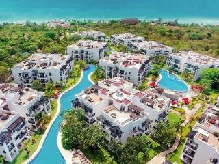 Azul Fives Three Bedroom Sky is fully staffed with beach access and a hot tub - Playa del Carmen vacation rentals