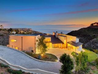 Spacious Modern Villa Beachview with Pool & Hot Tub has Sweeping Ocean Views - Malibu vacation rentals