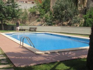 pool apartment for 6 people - Palau-Saverdera vacation rentals
