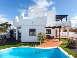Villa Oliva. Luxury villa with private pool - Corralejo vacation rentals