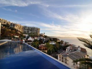 Luxury Condo/Amazing vue 6th floor/Amapas 353 1 BR - Puerto Vallarta vacation rentals