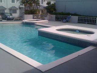 3 bedroom Villa with Internet Access in Ironshore - Ironshore vacation rentals