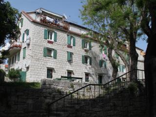 Antique apartment - Split vacation rentals
