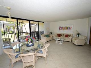 Sundial T201: 2 Bedrooms + Den (Coverts to Third Bedroom) - Sanibel Island vacation rentals