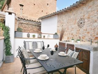 Charming townhouse with roof terrace - Fornalutx vacation rentals