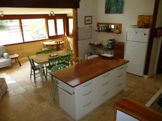 Grey Gums, a new unique, rural, ecoFriendly house - Kangaroo Valley vacation rentals