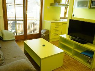 Adorable 1 bedroom Vacation Rental in Tropolach - Tropolach vacation rentals