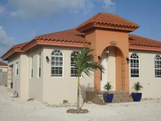 Vacation in Paradise near the beach - Noord vacation rentals