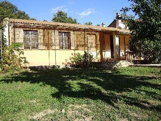 Gîte de 90 m² Nord vaucluse pour 4 personnes - Lagarde Pareol vacation rentals