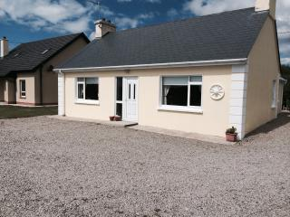 An Teach Bui Bunbeg Co Donegal - Bunbeg vacation rentals