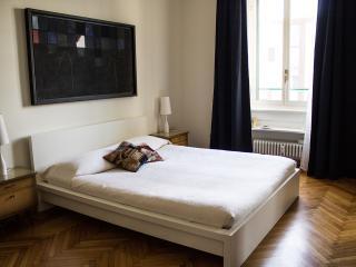 GaeAulentiApt: City Centre Elegance - Milan vacation rentals