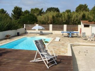 Ground floor of a villa: peaceful with pool - La Seyne-sur-Mer vacation rentals