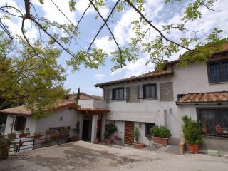 Convenient Bracciano Farmhouse Barn rental with Garden - Bracciano vacation rentals