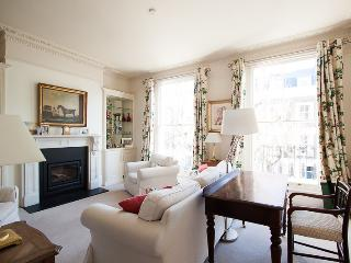 Courtnell Street (Ivy Lettings) - free wifi - London vacation rentals