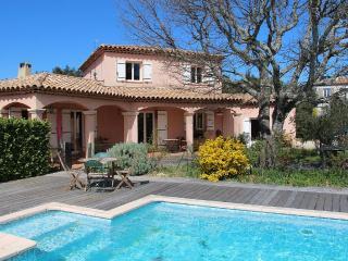 Villa à l'ombre des Chênes Verts. - Seillons-Source-d'Argens vacation rentals
