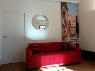 New! Stylish flat 5 minutes from S.L. station - Venice vacation rentals