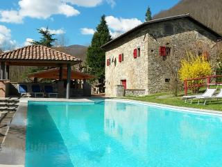Perfect House with Internet Access and Satellite Or Cable TV - Camporgiano vacation rentals