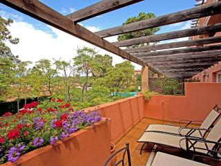 Pinogolf de Don Carlos, Elviria. Centrally located apartment - Marbella vacation rentals