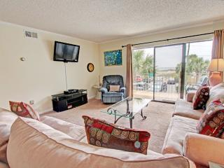 Emerald Isle 210-RealJOY Fun Pass*FREETripIns4NEWFallBkgs*Okaloosa Isle- Beachfront Pool-2BR/2BA - Fort Walton Beach vacation rentals