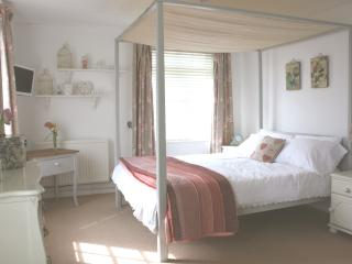 1 bedroom Bed and Breakfast with Internet Access in Loddon - Loddon vacation rentals