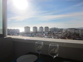 Beautiful 1 bedroom Apartment in Costa da Caparica - Costa da Caparica vacation rentals