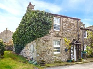 PEMBA COTTAGE, woodburning stove, pet-friendly, WiFi, in Threshfield, Ref 918110 - Threshfield vacation rentals