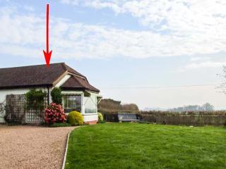 THE COTTAGE, semi-detached, all ground floor, WiFi, near Malvern, Ref 921093 - Malvern vacation rentals