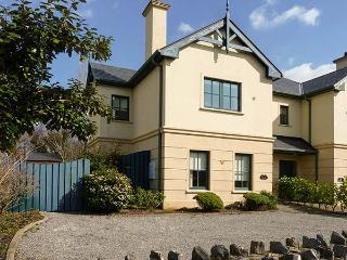 ORLAN, quality cottage close to coast and amenities, garden, en-suites, Kenmare Ref 921723 - Kenmare vacation rentals