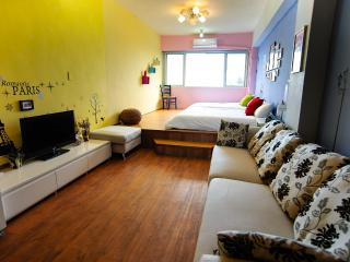 Hualien Downtown Suncity Family room (Ocean view) - Hualien vacation rentals