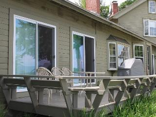 Ice House Cottage at Oliver Lodge on Lake Winnipesaukee (1ICEHOUS) - Weirs Beach vacation rentals