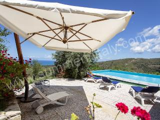 Charming Campofelice di Roccella House rental with Deck - Campofelice di Roccella vacation rentals