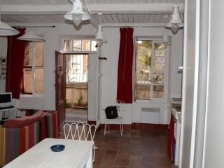Nice House with Internet Access and Central Heating - Gruissan vacation rentals