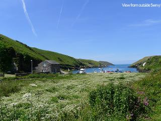 Nice 2 bedroom House in Trefin - Trefin vacation rentals