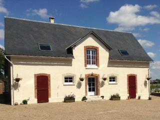 Perfect 3 bedroom Gite in La Chartre Sur Le Loir with Internet Access - La Chartre Sur Le Loir vacation rentals