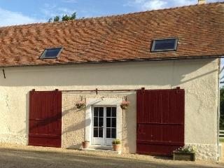 3 bedroom Gite with Internet Access in La Chartre Sur Le Loir - La Chartre Sur Le Loir vacation rentals