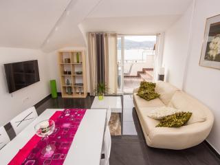 Luxury apartment close to beach - Okrug Gornji vacation rentals