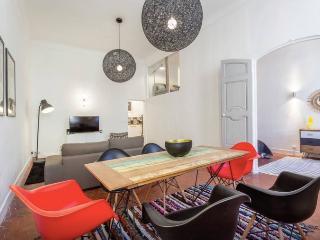 Aix Plein Centre Appartement Design et Authentique - Aix-en-Provence vacation rentals