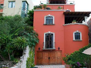 The perfect SMA casita for two!! - San Miguel de Allende vacation rentals