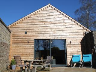 Perfect 2 bedroom Edzell Barn with Deck - Edzell vacation rentals