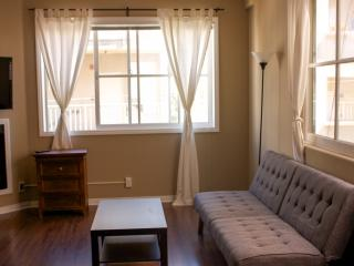 324 Exec 1 bedroom, 2 story Loft Near UCLA - Los Angeles vacation rentals