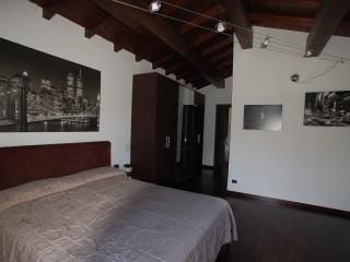 2 bedroom Farmhouse Barn with Garden in Bracciano - Bracciano vacation rentals
