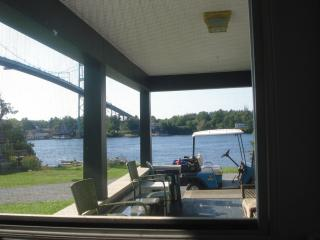 Adorable 4 bedroom Alexandria Bay House with Dishwasher - Alexandria Bay vacation rentals