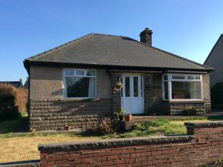 Hillsway. Easily accessible Bungalow with parking - Youlgreave vacation rentals