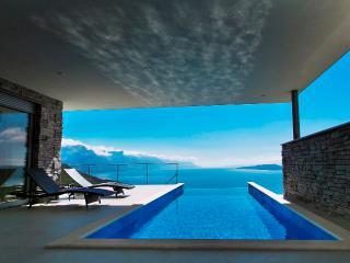 Villa in Omis with breathtaking seaviews - Lokva Rogoznica vacation rentals